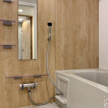 あたたかい雰囲気の浴室