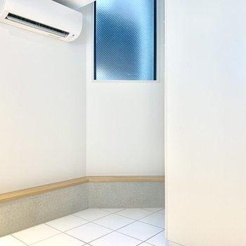 【SR】コンパクトな空間ながらエアコン完備