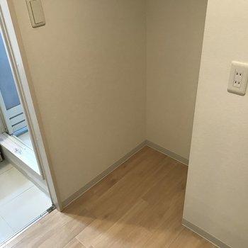 冷蔵庫を置くスペースもありましたよ!
