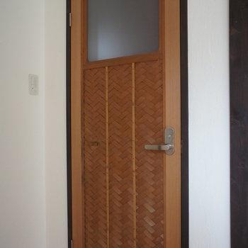 トイレの扉が素敵!