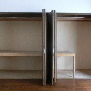 クローゼットは洋室1部屋に2つ。左右で分けて使ってもいいですね。(※写真は4階同間取り別部屋のものです)