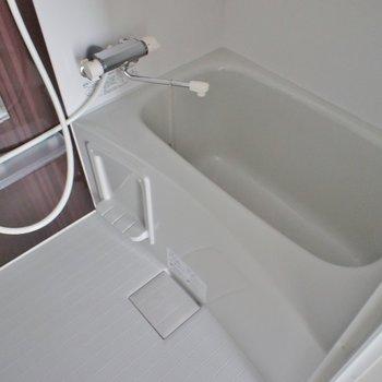 浴室乾燥もしっかり完備。※写真は202号室のもの