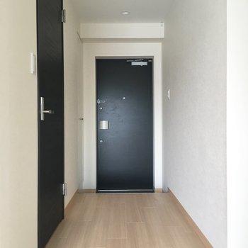 玄関の横にはシューズボックスもついてます。