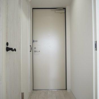 玄関。サイズ感はちょうどよし!