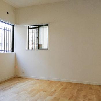 【1階洋室】さらに隣にお部屋も。客間として良さそう。