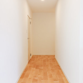 【1階ホール】奥へ行くと……