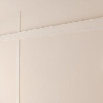 リビングにはインテリアで飾りやすい長押も。