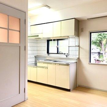 キッチンスペースも広々です。