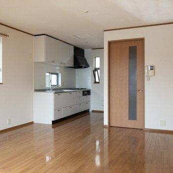 【LDK】キッチンは2階にあります。