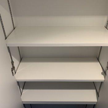 棚は自分のお好みの位置に変えられますよ