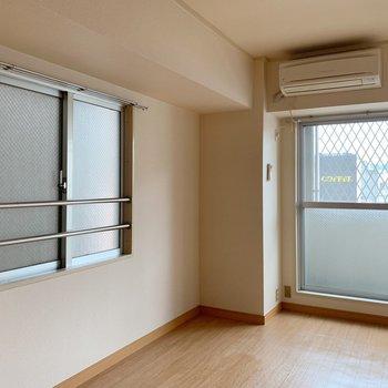 窓が2つについてるので、明るさもばっちり。