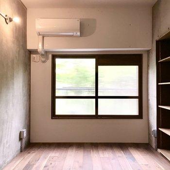 洋室②】お隣の洋室へ。もちろんエアコン付き◎