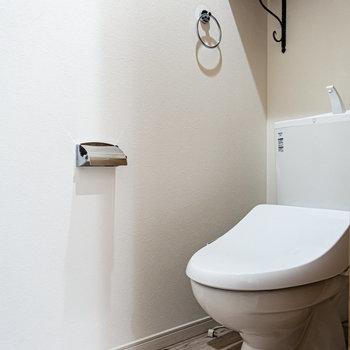 お手洗いは玄関先にあります。※写真は前回募集時のものです