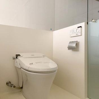 タンクレスのトイレもここに。