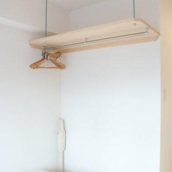 オープンラック!天井まで色々と収納できますよ