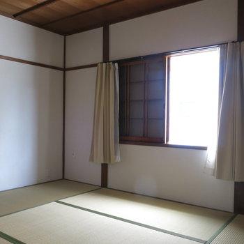 和室①】昔ながらの和室がそのまま※写真は反転間取り、別部屋のもの