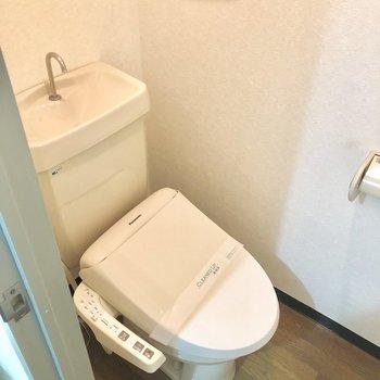 温水洗浄便器です。