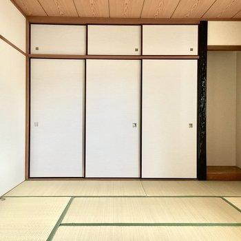 1階の和室から見ていきましょう。(※写真は2階の同間取り別部屋のものです)