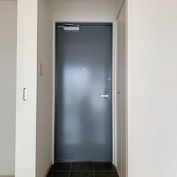 玄関は少し狭めかな。