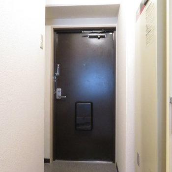 玄関はかなり大きいですよ