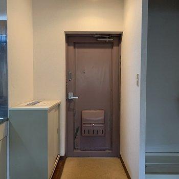 広い玄関※写真は1階の同間取り別部屋のものです