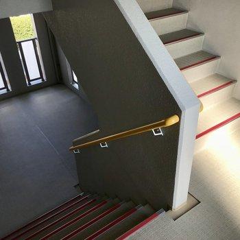 階段のぼって3階まで!ちょうど頑張れる階数ですよね。