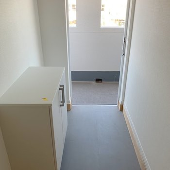 玄関の土間が広いから、たくさん靴置いちゃいそう!今日はどれはこうかな。※写真は3階反転間取り別部屋のものです