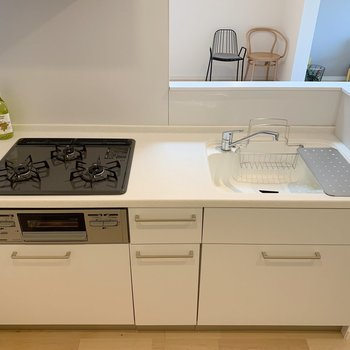 お料理が楽しくなりそうなキッチン!※写真は3階反転間取り別部屋のものです
