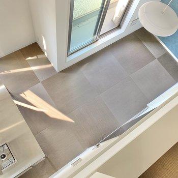 ロフトから下をみてみると…畳が交互になっていて、上からみてもキマってます。