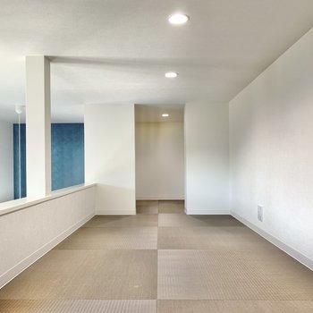 ロフトはすーッと長め。天井は、152センチで少し膝を曲げるくらい◎快適に過ごせそうですよ。