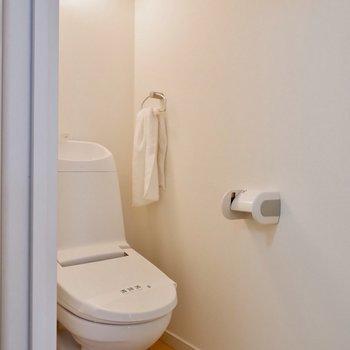 水回りは清潔感、設備ともに整っています。※家具・雑貨はサンプルです