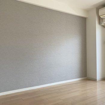 落ち着いた色合いで心地の良い空間に(※写真は3階同間取り別部屋、清掃前のものです)