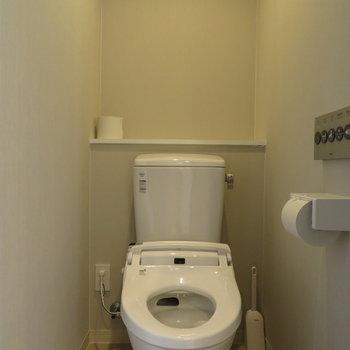 もちろんトイレで個室にいくつか