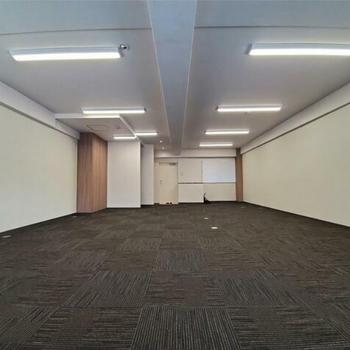 綺麗なこの空間、どんな仕事場になるのかな