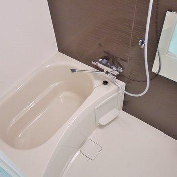 浴室乾燥付いてます。※写真は別室です。