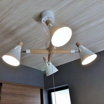 室内の照明もお洒落に。