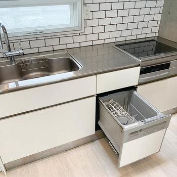 【2階】食洗機も付いた、3口IHのキッチンです。※写真は前回募集時のものです