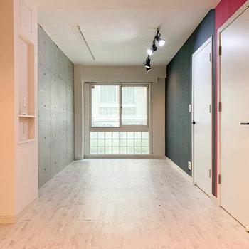 【1階】約11帖の洋室です。※写真は前回募集時のものです