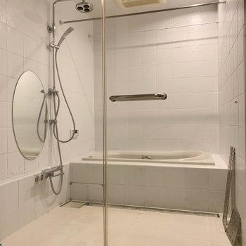 浴室乾燥、追い炊きの付いたお風呂です。※写真は前回募集時のものです