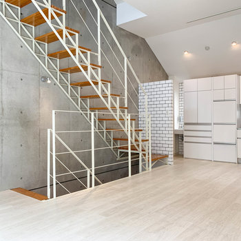 【2階】上下階にもフロアが広がります。※写真は前回募集時のものです