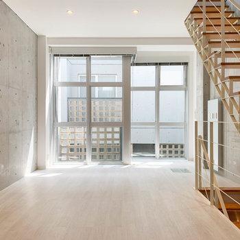 【2階】まずは2階のリビングからご紹介。※写真は前回募集時のものです