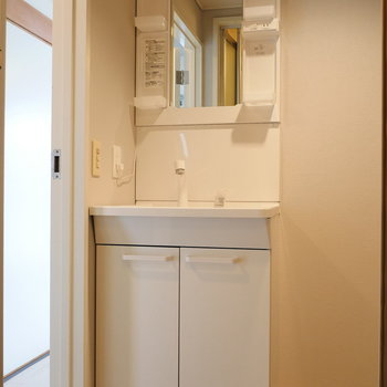 独立洗面台も使いやすそう。