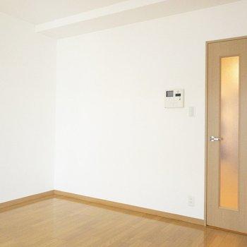 シングルベッドが置けそう※写真は7階の同間取り別部屋のものです