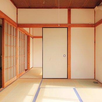 【和室1】奥にも和室が見えますね。※写真はクリーニング前のものです。