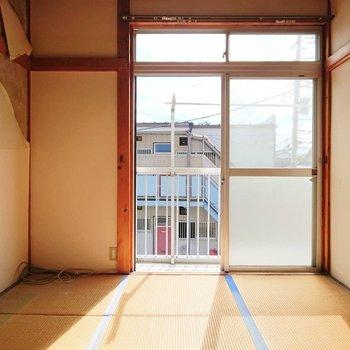 【和室2】この正方形が落ち着くなぁ。※写真はクリーニング前のものです。