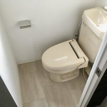 トイレはコンパクトかな?