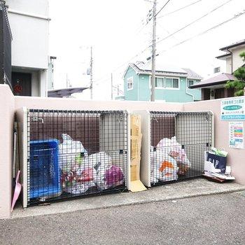 敷地内ゴミ捨て場もありました。