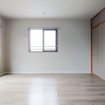【LDK】大きな家具を置く余裕は十分。