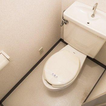 トイレは廊下にあります。※写真は前回募集時のものです