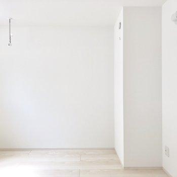 洗濯物干し掛けもついてます※写真は2階同間取り別部屋のものです